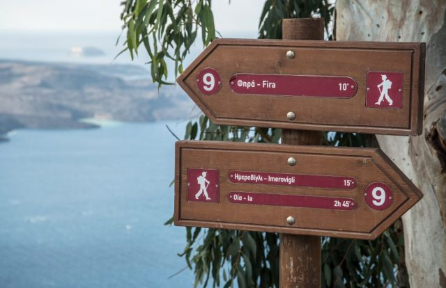 Image 2_Hike between Fira and Oia