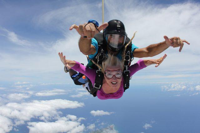 Skydiving-Hawaii_patti-morrow_luggageandlipstick.com